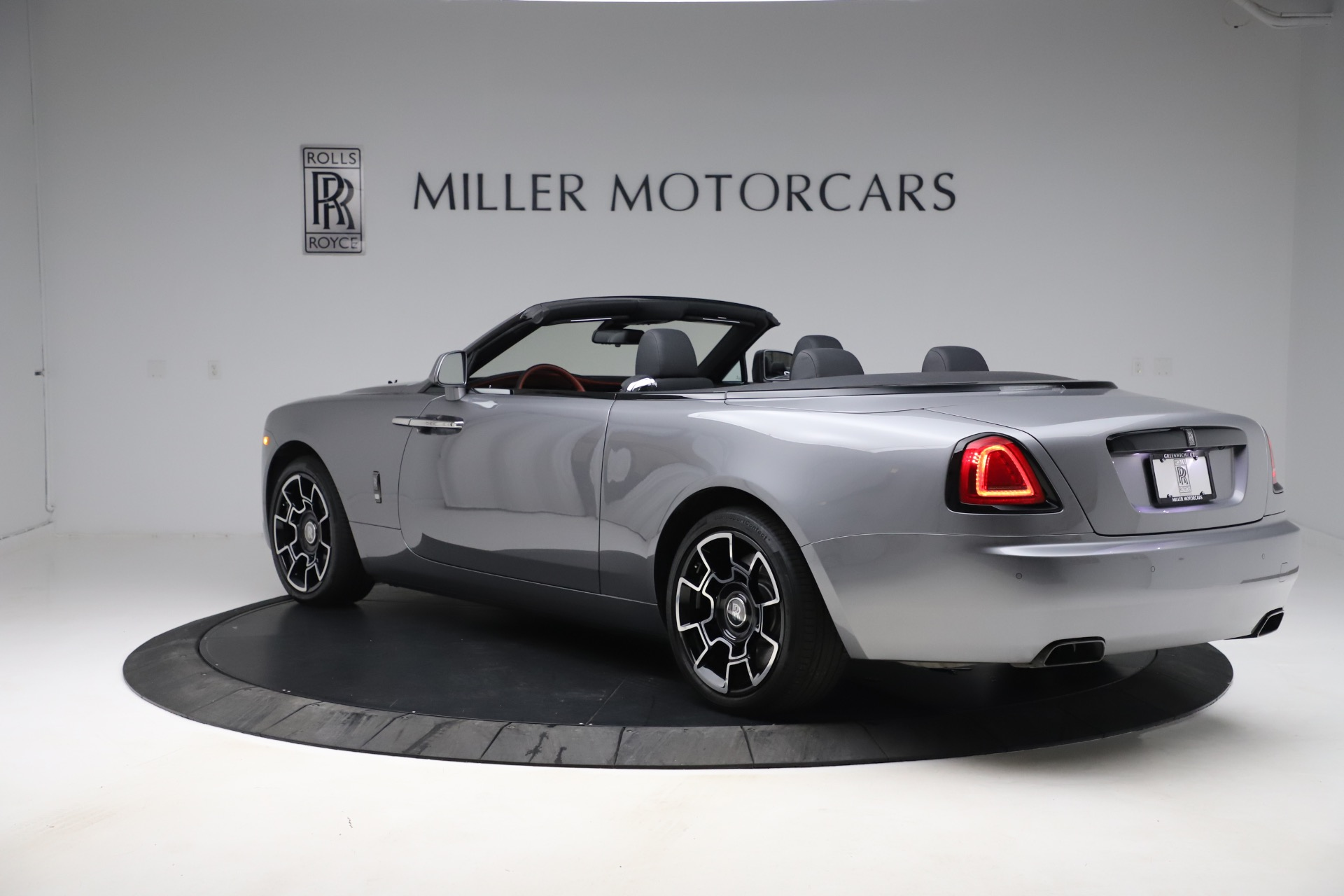 Used-2019-Rolls-Royce-Dawn-Black-Badge