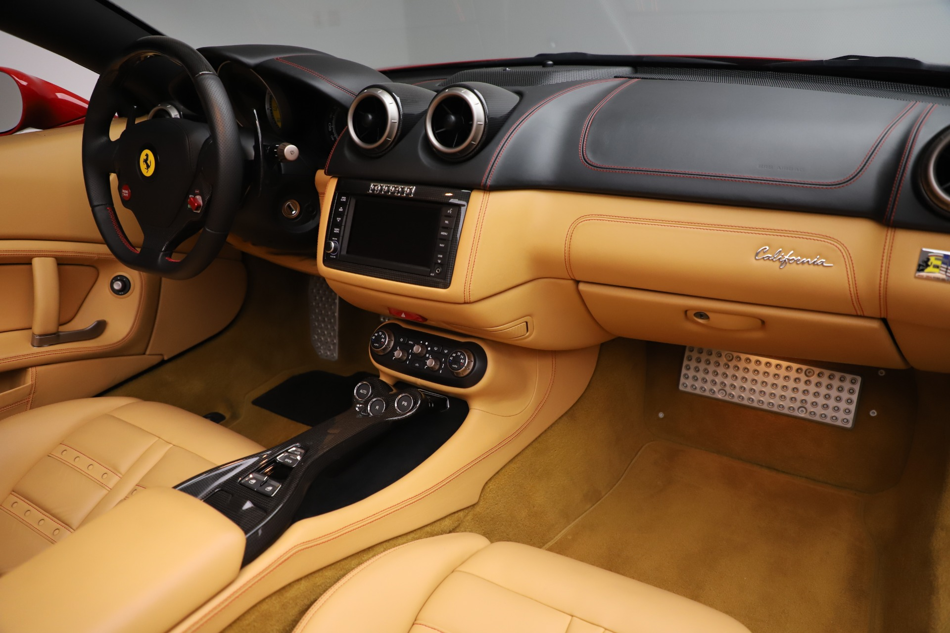 Used-2014-Ferrari-California-30