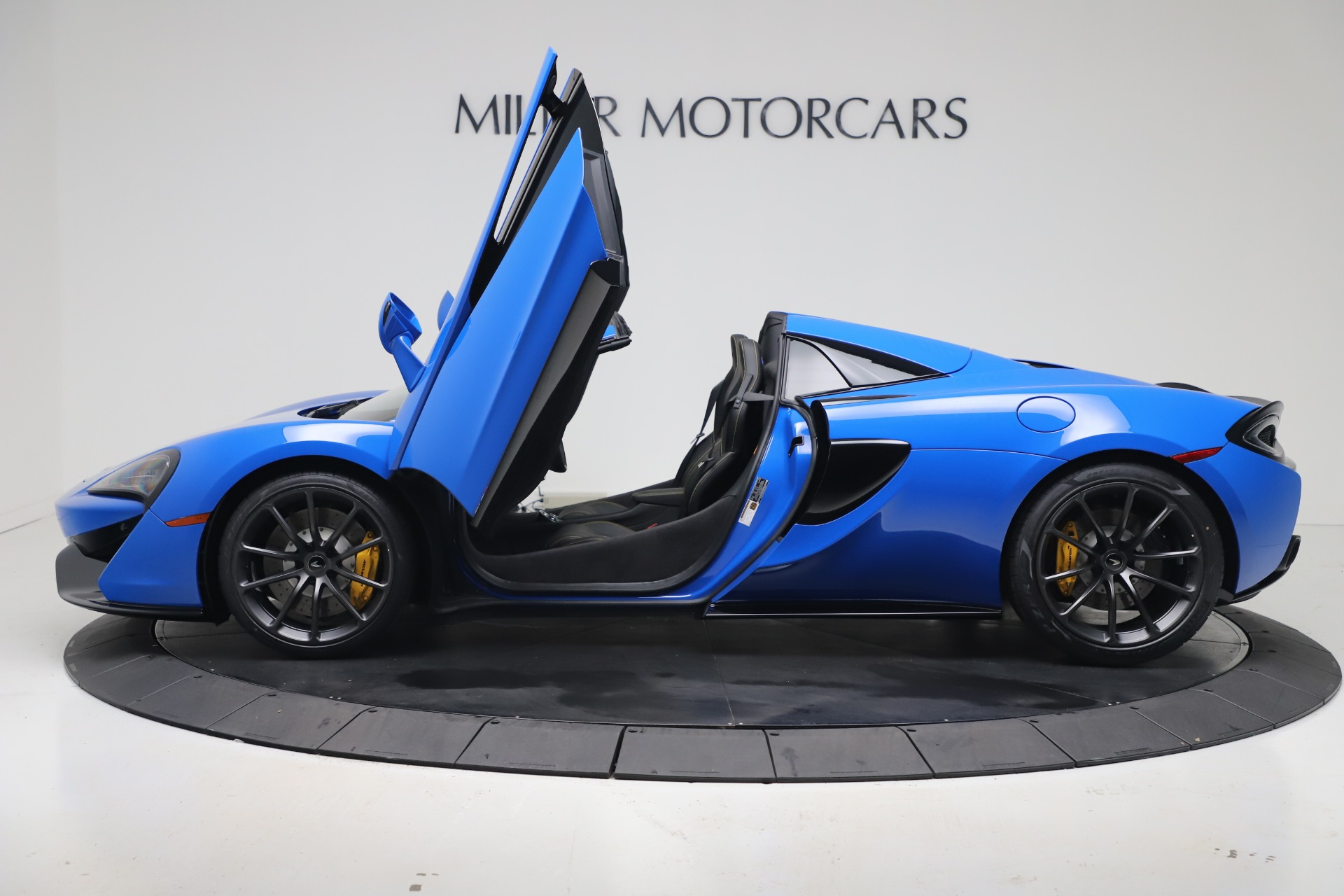 New-2020-McLaren-570S-Spider-Convertible