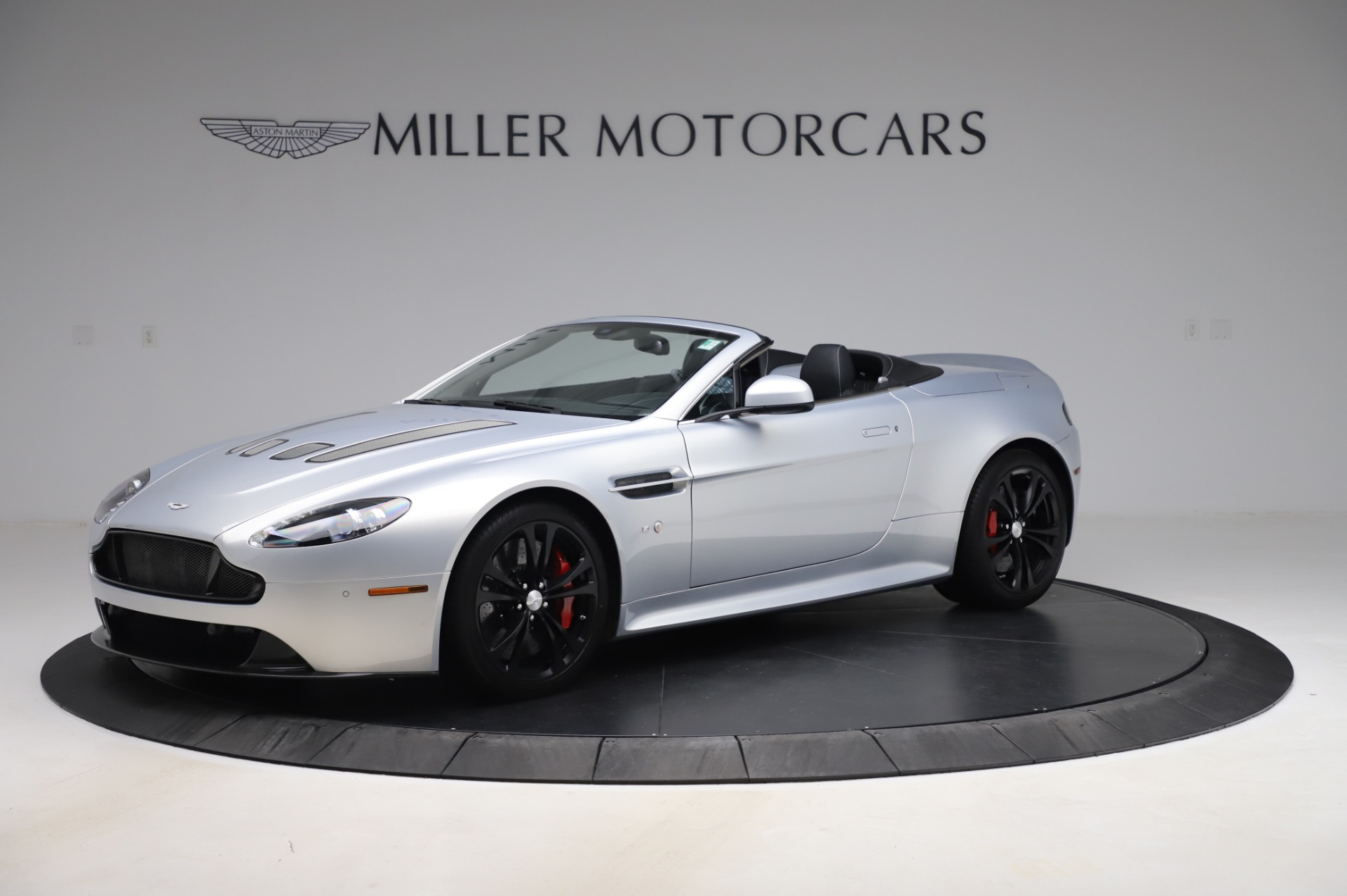 Pre Owned 2017 Aston Martin V12 Vantage S Roadster For Sale Miller Motorcars Stock A1452a