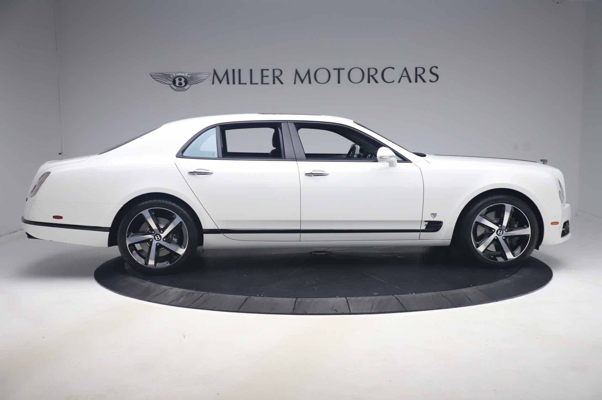 New-2020-Bentley-Mulsanne-675-Edition-by-Mulliner