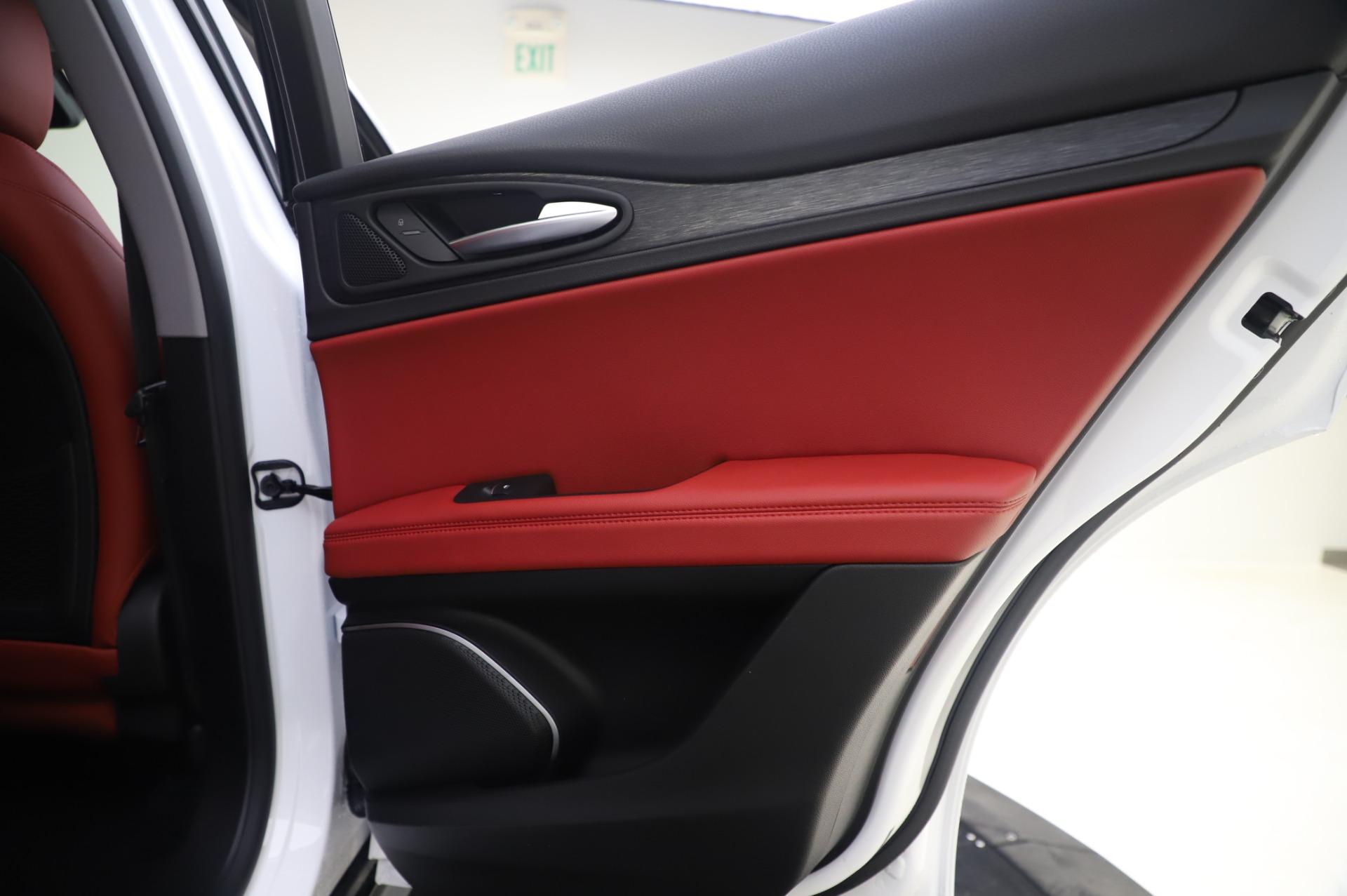 New-2020-Alfa-Romeo-Stelvio-Q4