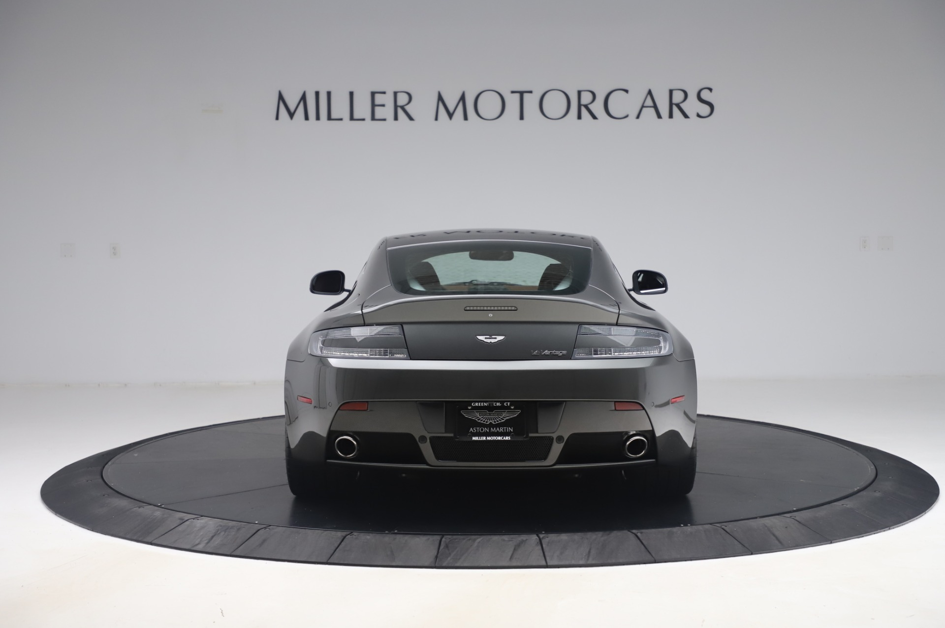 Used-2011-Aston-Martin-V12-Vantage-Coupe