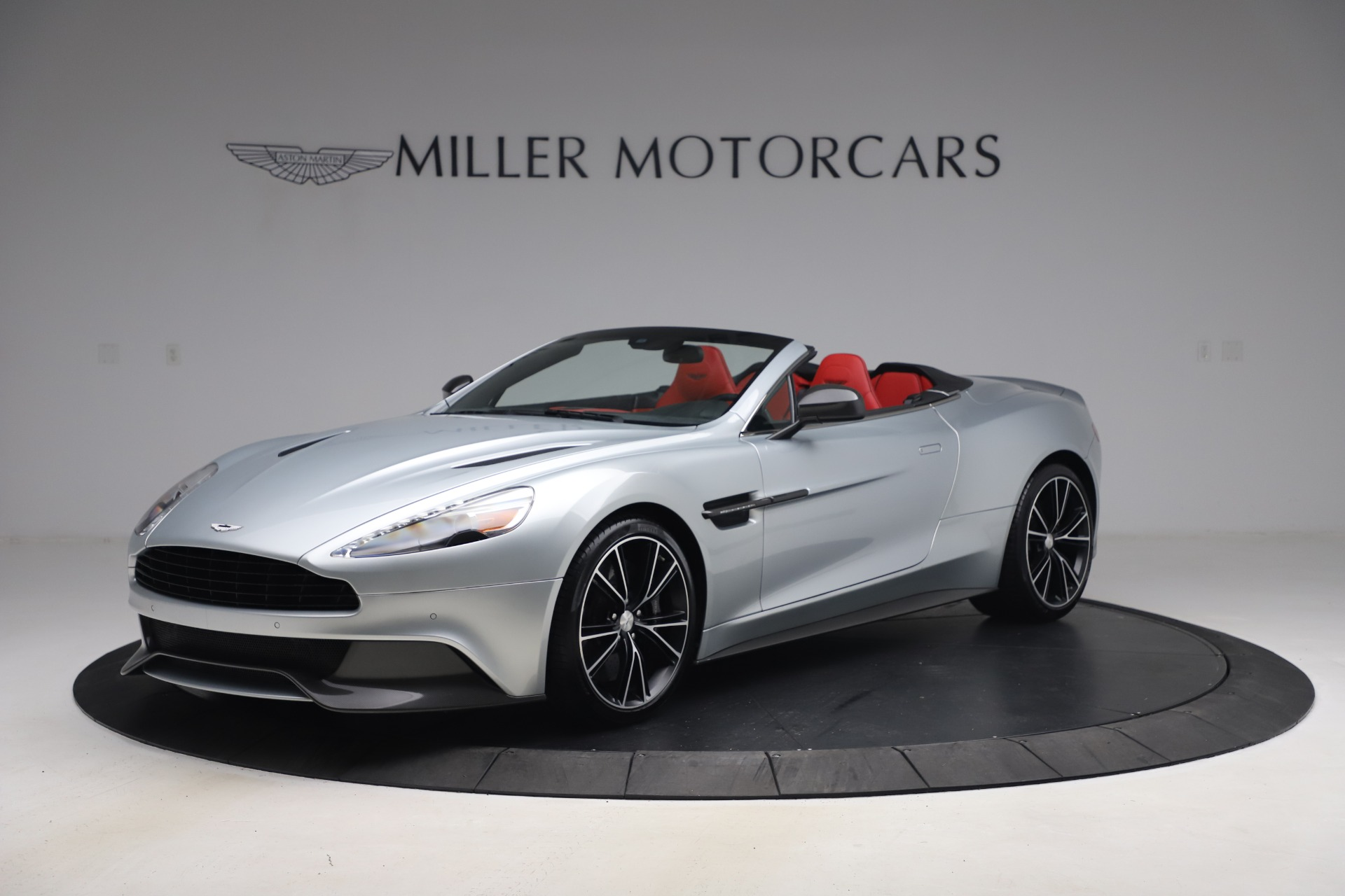 Pre Owned 2014 Aston Martin Vanquish Volante For Sale Miller Motorcars Stock A1509a