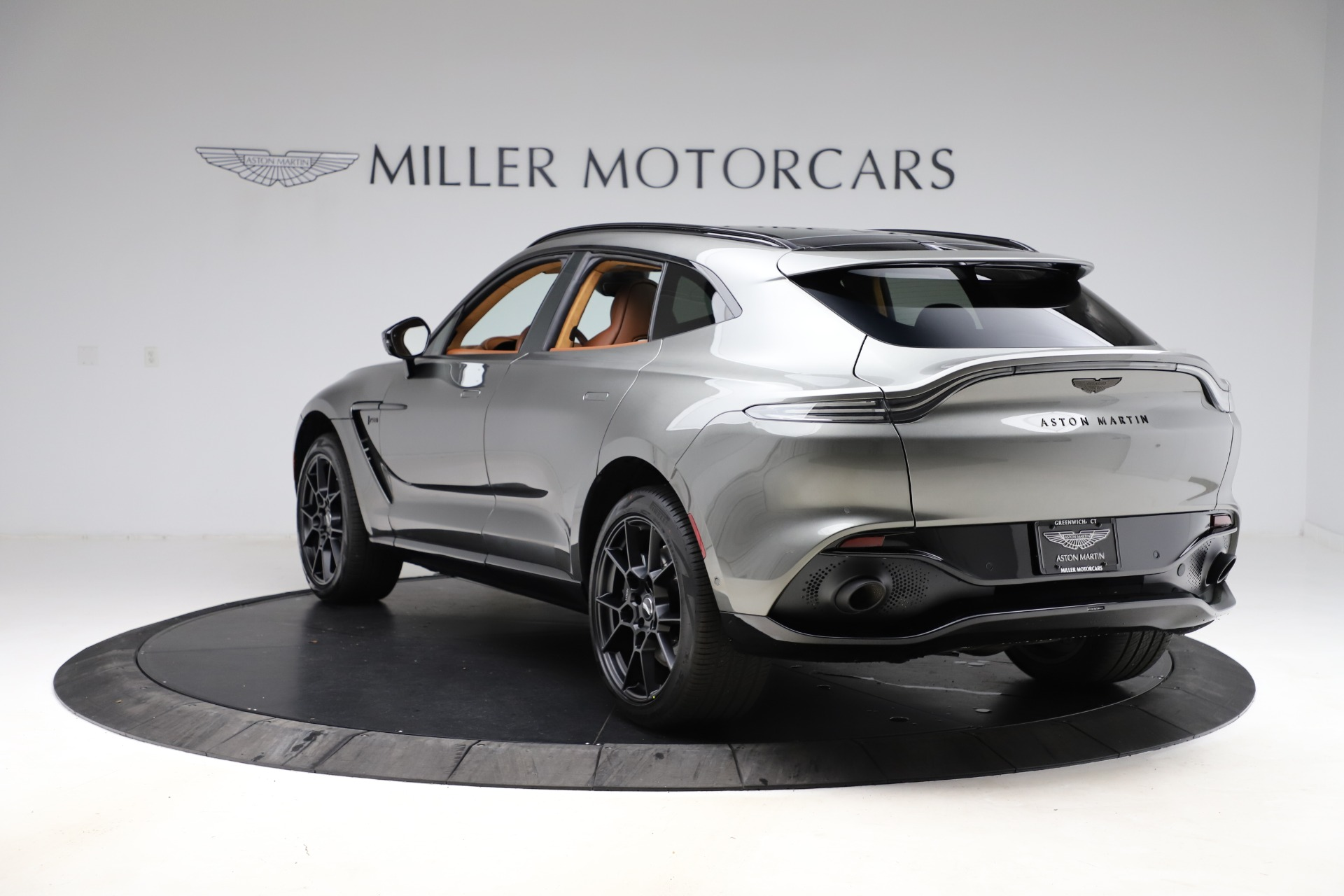 New-2021-Aston-Martin-DBX-SUV