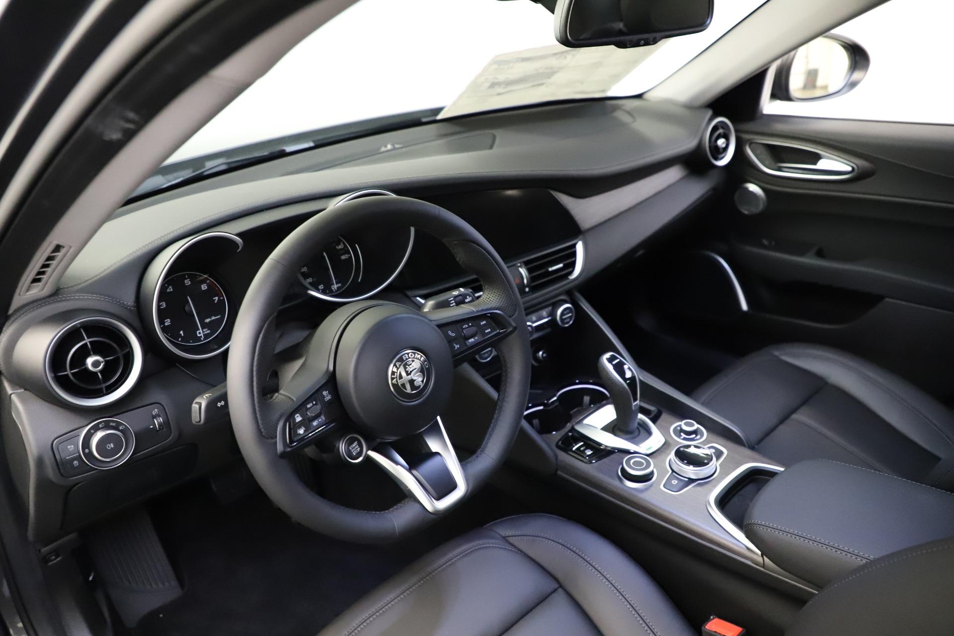 New-2021-Alfa-Romeo-Giulia-Ti-Q4