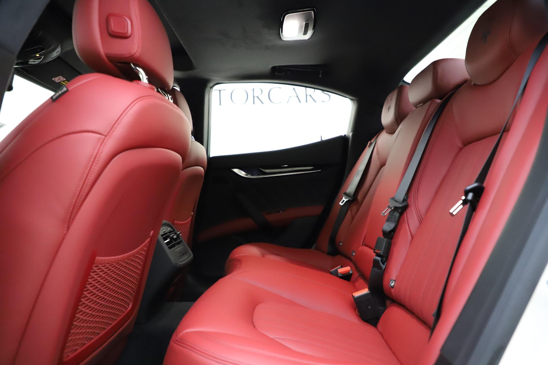 New-2021-Maserati-Ghibli-S-Q4-GranLusso