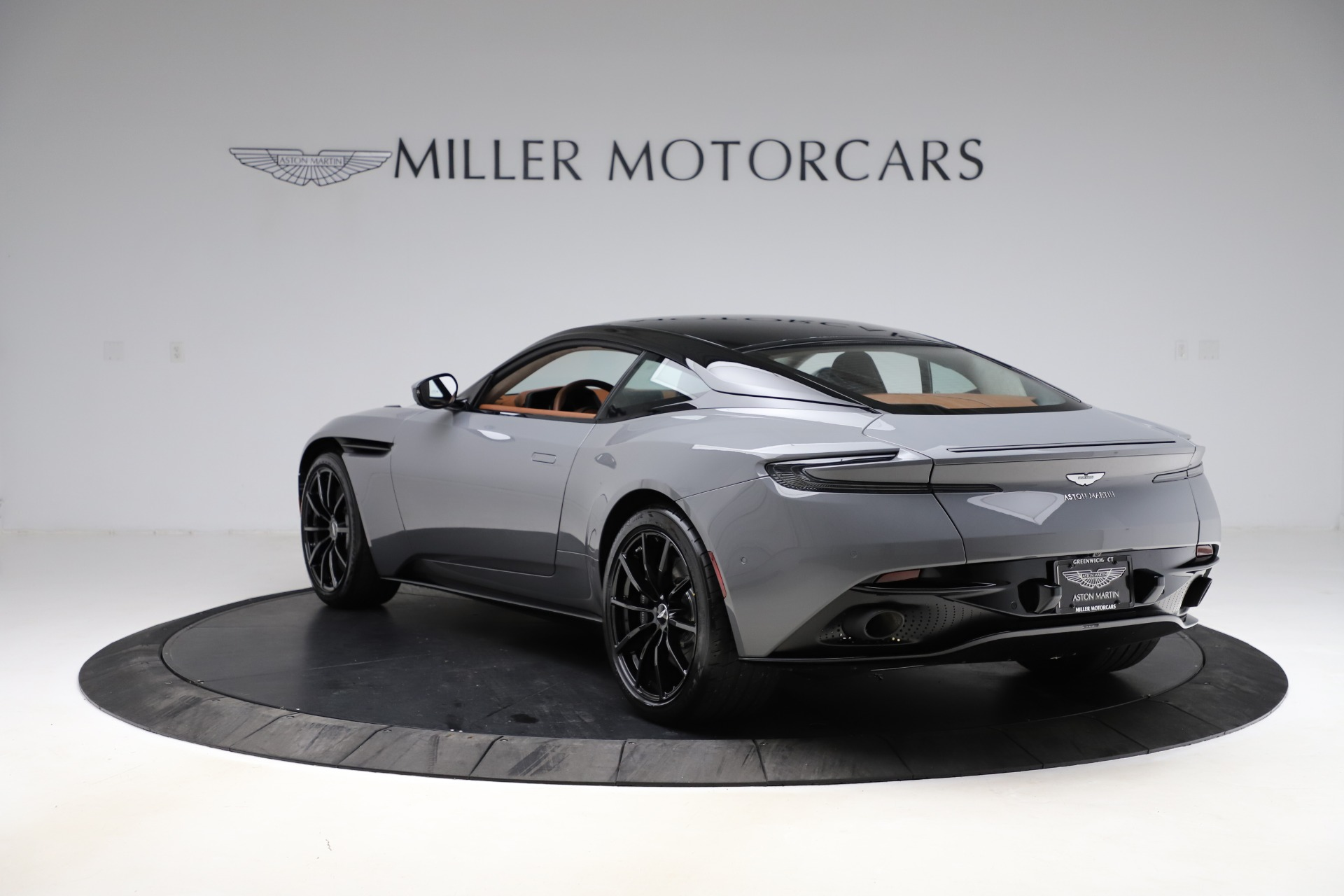 New-2020-Aston-Martin-DB11-AMR