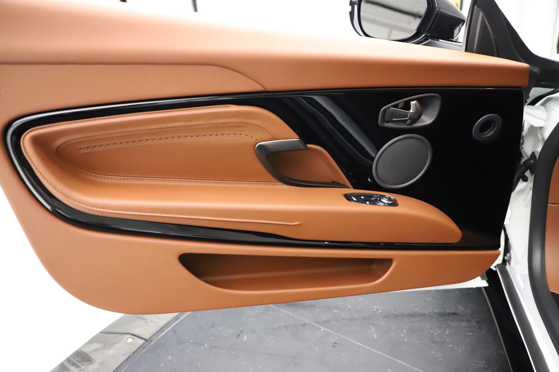 New-2021-Aston-Martin-DB11-Volante
