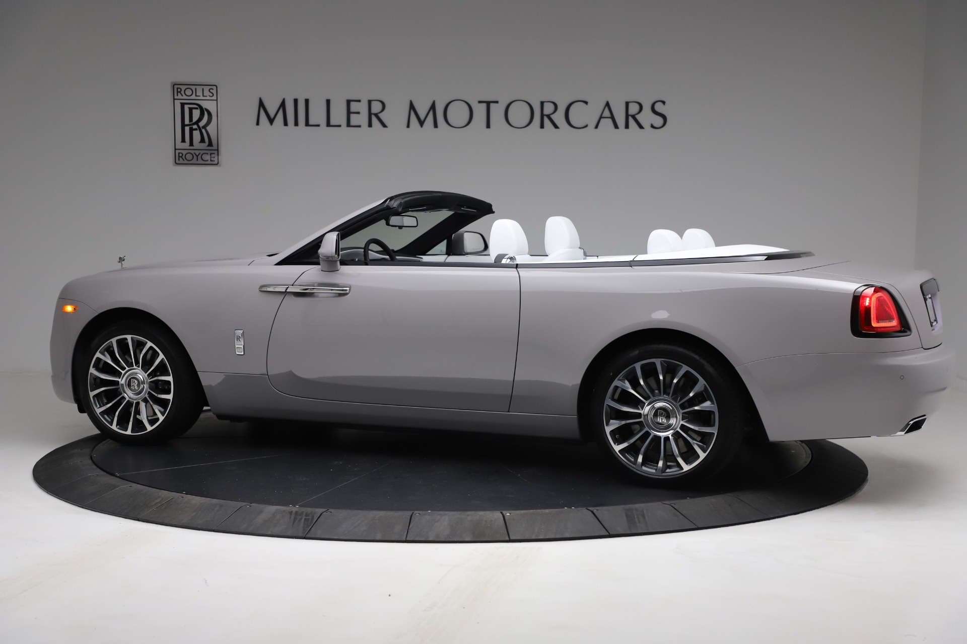 New-2021-Rolls-Royce-Dawn