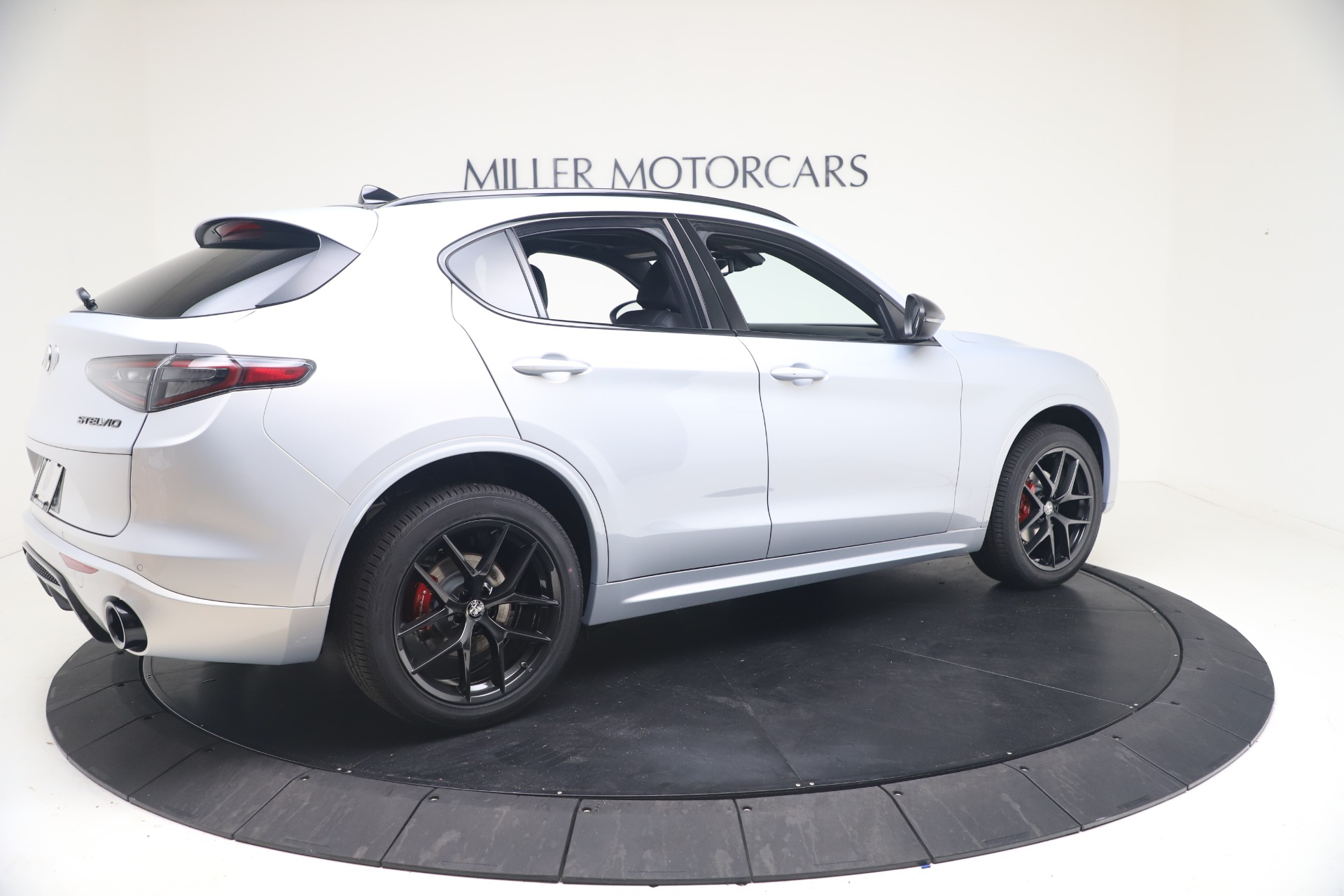 New-2021-Alfa-Romeo-Stelvio-Ti-Sport-Q4