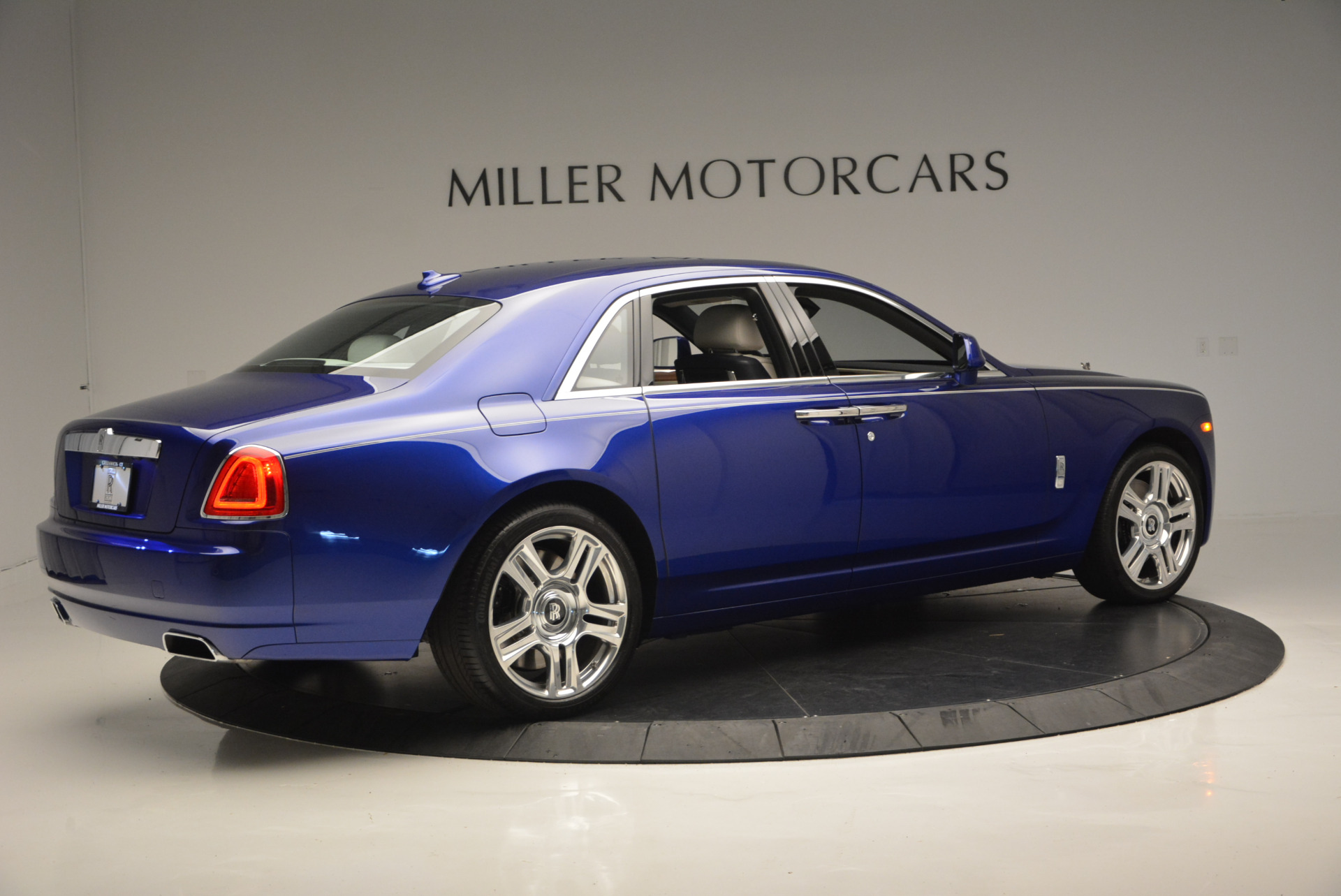 Used-2016-ROLLS-ROYCE-GHOST-SERIES-II