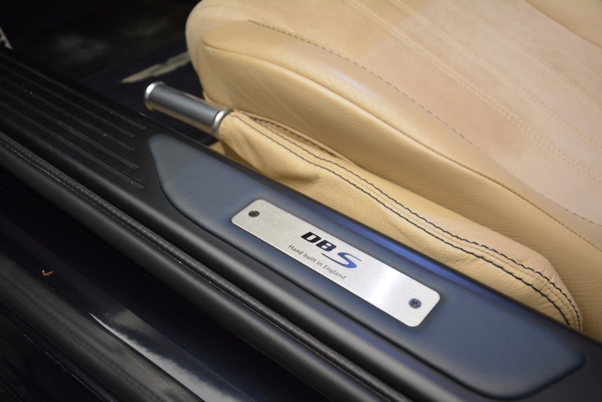 Used-2012-Aston-Martin-DBS-Volante