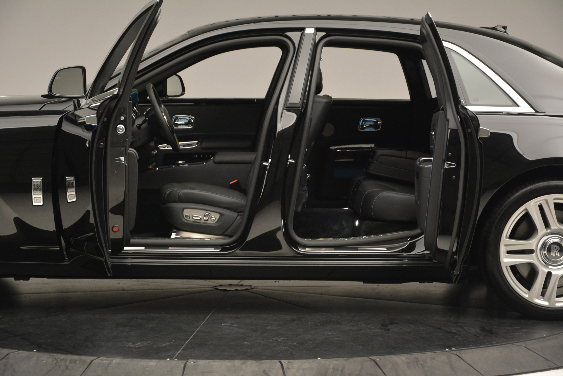 Used-2016-Rolls-Royce-Ghost-Series-II
