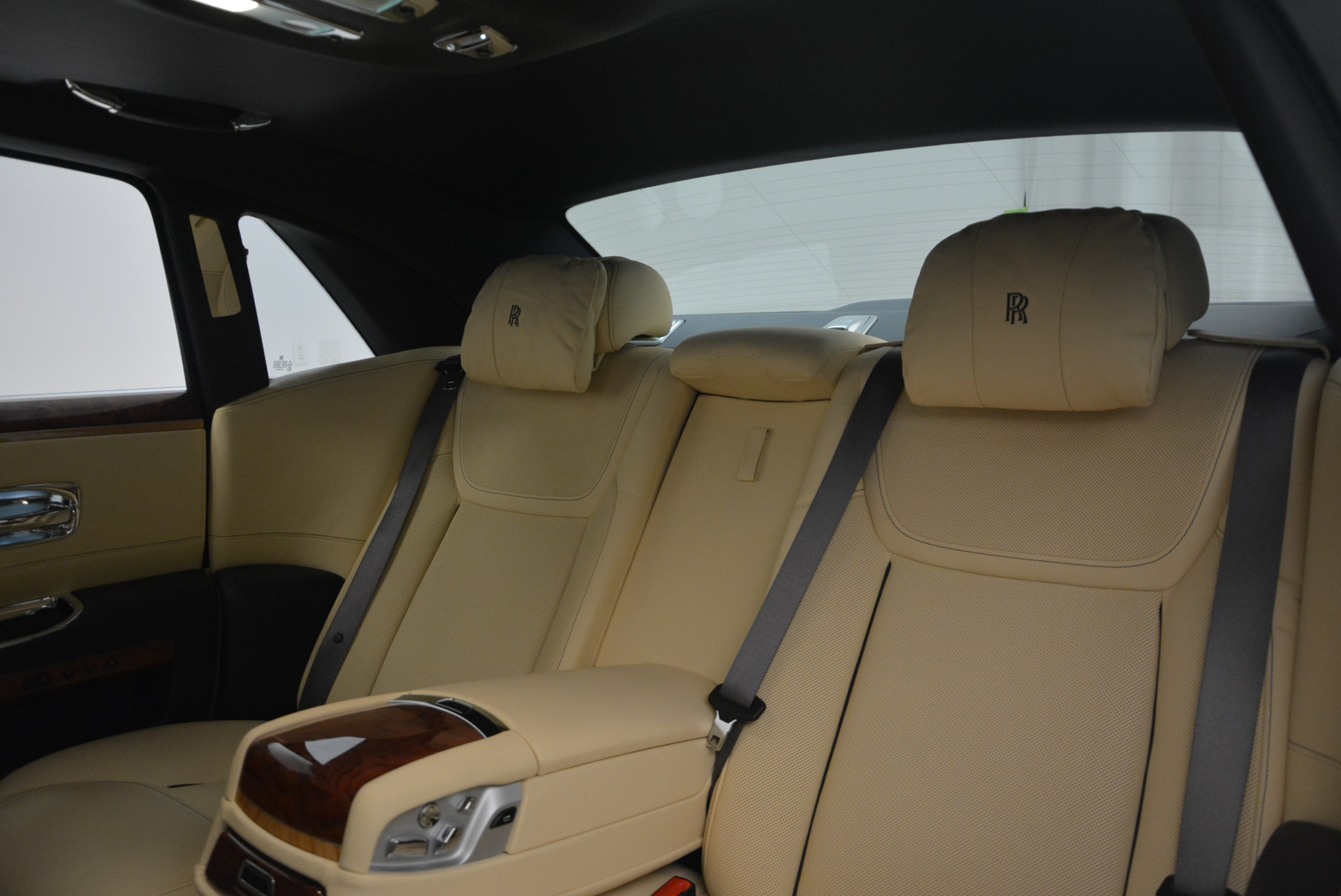 Used-2016-Rolls-Royce-Ghost-EWB