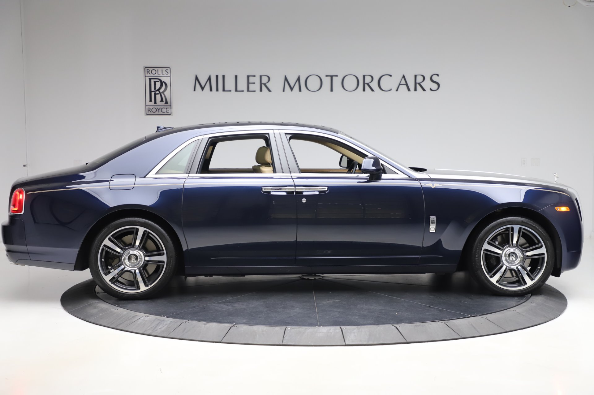 Used-2014-Rolls-Royce-Ghost-V-Spec