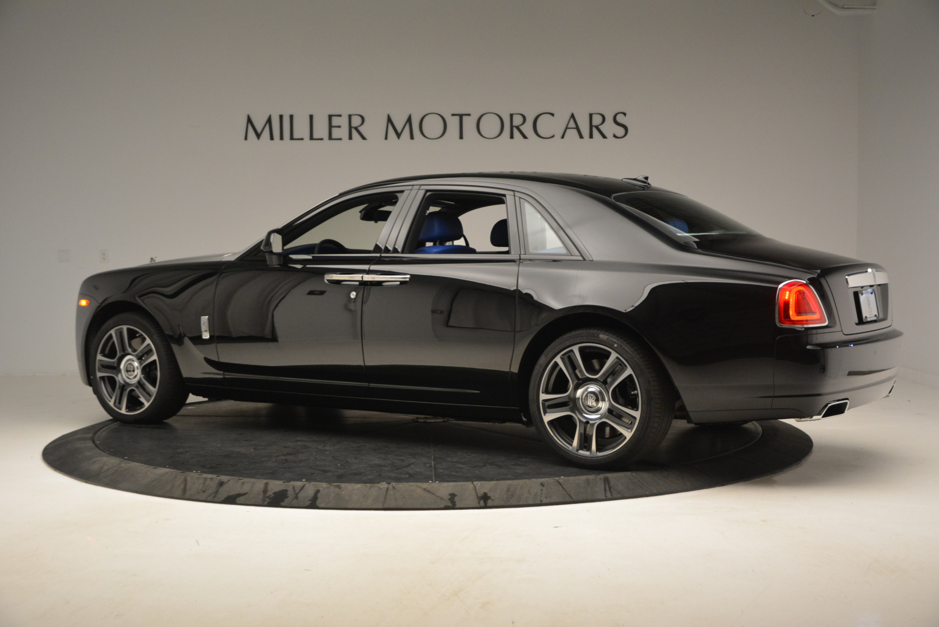 New-2017-Rolls-Royce-Ghost