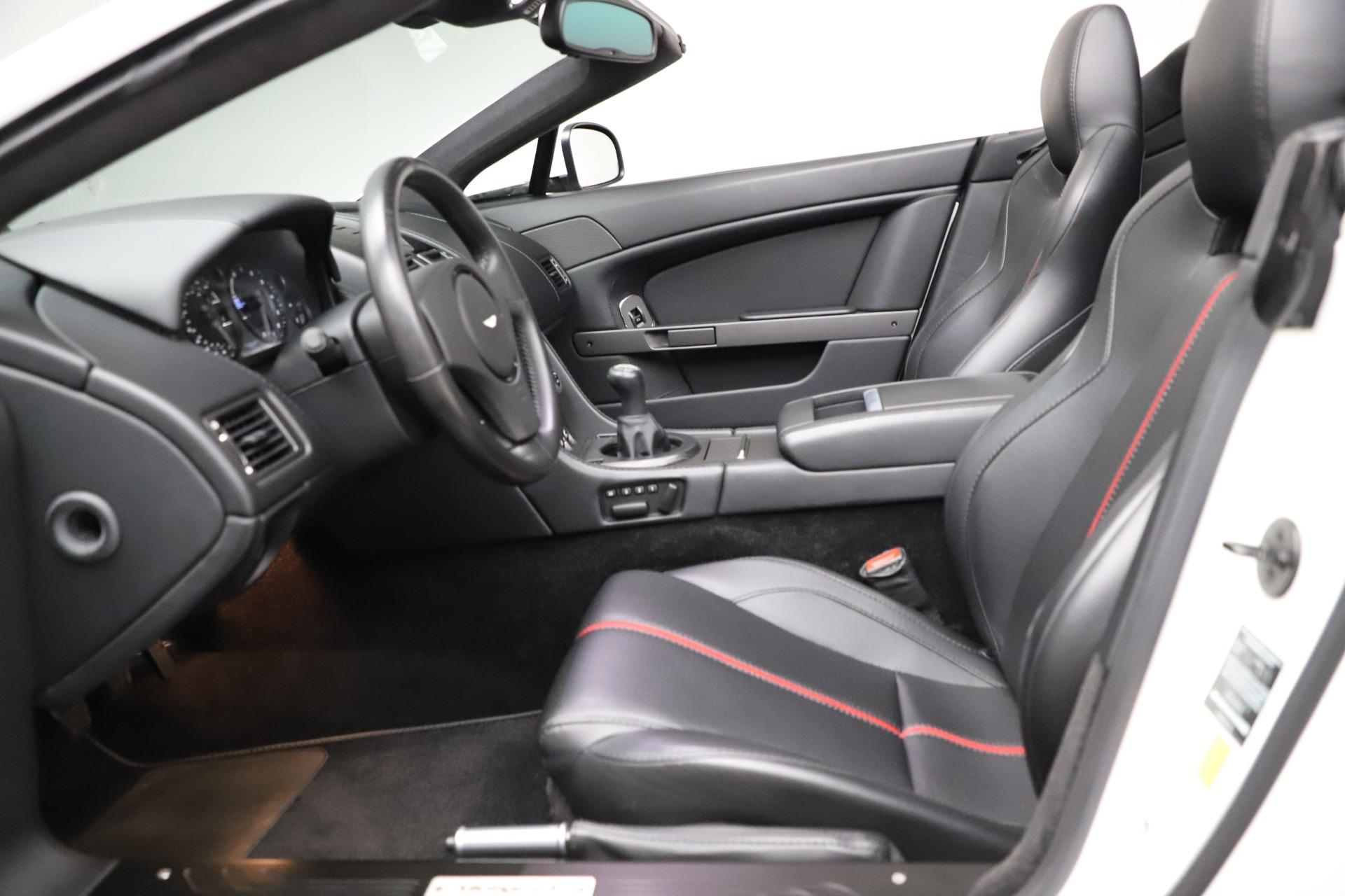 New-2015-Aston-Martin-Vantage-GT-GT-Roadster