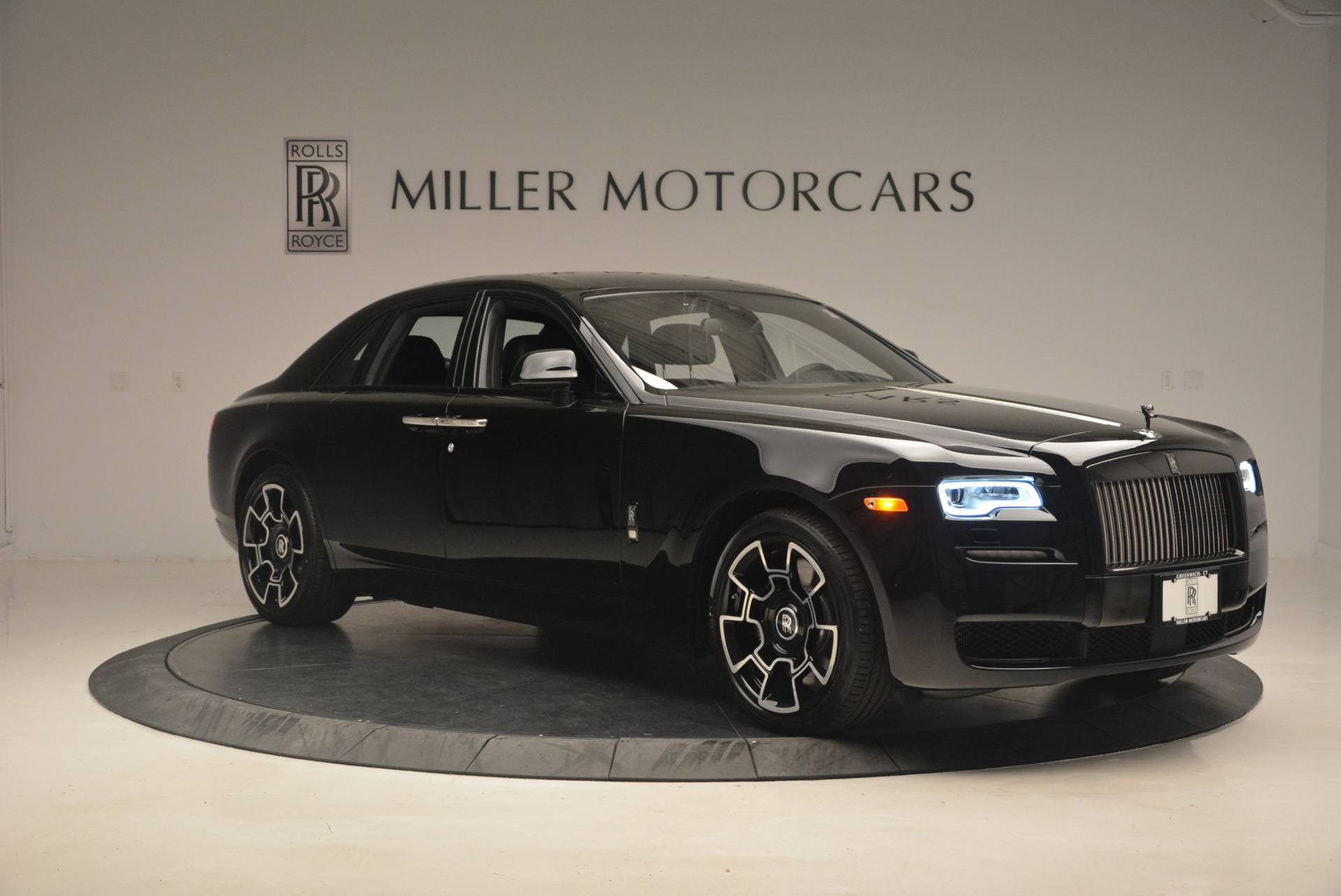 New-2017-Rolls-Royce-Ghost-Black-Badge